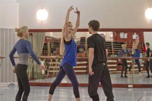 154401442.5uTkbroH.dance_15